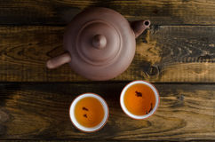 Grupo de chá no fundo de madeira Foto de Stock