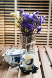 Grupo de chá verde na tabela de madeira Fotos de Stock Royalty Free