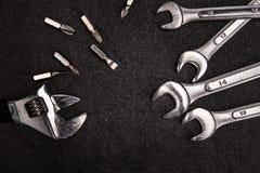 Grupo de chave de aço inoxidável no fundo branco com spac do texto Imagens de Stock