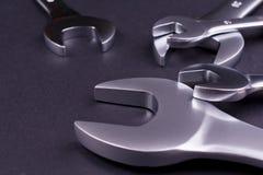 Grupo de chaves no fundo preto Imagens de Stock Royalty Free