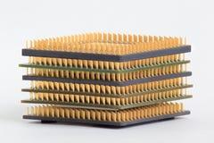 Grupo de chip de ordenador en el fondo blanco Fotos de archivo libres de regalías