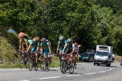 Grupo de ciclistas dos amadores Fotos de Stock