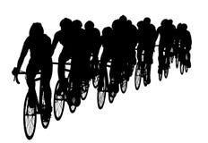 Grupo de ciclistas en la raza que monta una silueta del vector de la bicicleta ilustración del vector