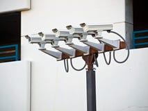Grupo de cinco câmaras de segurança Fotos de Stock