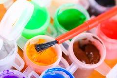 Grupo de close-up colorido das pinturas Fotos de Stock