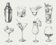 Grupo de cocktail do esboço e de bebidas do álcool Imagem de Stock Royalty Free