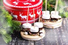 Grupo de comida sumergida de la Navidad de las melcochas Fotos de archivo