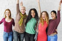 Grupo de conceito alegre da felicidade das mulheres fotografia de stock