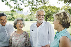 Grupo de conceito superior da felicidade dos amigos da aposentadoria fotos de stock royalty free
