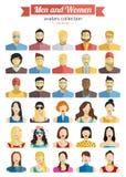 Grupo de ícones dos Avatars dos homens e das mulheres Ícones coloridos das caras do homem e da fêmea ajustados Projeto liso do es Fotos de Stock