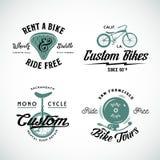 Grupo de costume retro e de arrendamento da bicicleta do vetor ilustração stock
