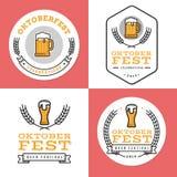 Grupo de crachás, de bandeira, de etiquetas e de logotipo para o festival o mais oktoberfest, alemão da cerveja Projeto simples e Fotografia de Stock