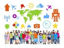 Grupo de crianças diversas com vário símbolo Imagem de Stock Royalty Free