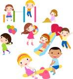 Grupo de crianças que têm o divertimento Fotografia de Stock Royalty Free