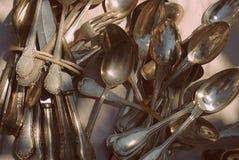Grupo de cucharas plateadas fotografía de archivo libre de regalías