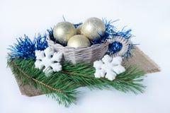 Grupo de decorações do Natal e de dois ramos do pinho Imagens de Stock
