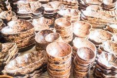 Grupo de dishware de madeira feito a mão Imagem de Stock