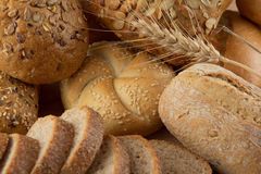 Grupo de diversos tipos de pan Fotos de archivo libres de regalías