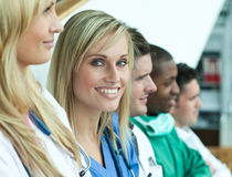 Grupo de doutores de sorriso imagens de stock royalty free