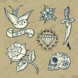 Grupo de elementos da tatuagem da velha escola Fotografia de Stock