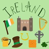 Grupo de elementos irlandeses tirados mão e de letering ilustração stock