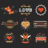 Grupo de elementos vermelho e dourado do projeto do dia de Valentim no fundo preto Imagem de Stock Royalty Free