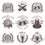 Grupo de emblemas da cervejaria da cerveja do vintage ilustração royalty free