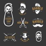 Grupo de emblemas do vetor da barbearia do vintage, de etiqueta, de crachás e de elementos do projeto Imagens de Stock