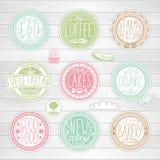 Grupo de emblemas retros Etiquetas do alimento do vintage Rotulação desenhado à mão Foto de Stock