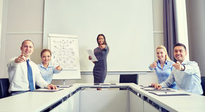 Grupo de empresários que apontam o dedo em você Imagens de Stock Royalty Free