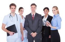 Grupo de empresarios y de doctores fotografía de archivo libre de regalías