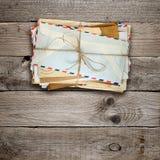 Grupo de envelopes velhos Fotos de Stock