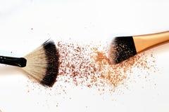 Grupo de escovas do cosmético no fundo branco Fotografia de Stock