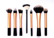 Grupo de escovas do cosmético no fundo branco Fotografia de Stock Royalty Free