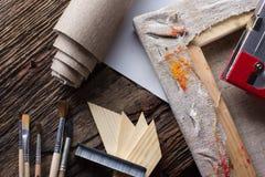 Grupo de escovas para pintar, lona, grampeador, grampos, subframe Imagem de Stock Royalty Free