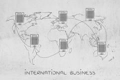Grupo de escritórios internacionais ligados no mapa do mundo Fotos de Stock Royalty Free