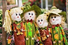 Grupo de espantalhos fotografia de stock