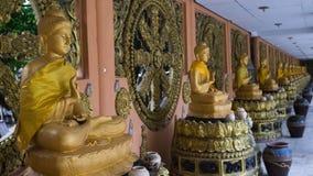 Grupo de estátuas da Buda no templo, Banguecoque Tailândia Fotografia de Stock Royalty Free