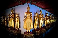 Grupo de estatuas budistas foto de archivo