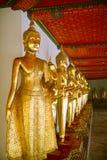Grupo de estatuas budistas fotografía de archivo