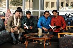 Grupo de estudiantes universitarios diversos Fotografía de archivo
