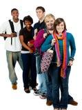 Grupo de estudiantes universitarios multirraciales Foto de archivo libre de regalías