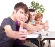 Grupo de estudiar de los estudiantes Fotos de archivo
