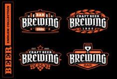 Grupo de etiqueta profissional moderno para uma cerveja do ofício Fotos de Stock Royalty Free