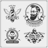 Grupo de etiquetas da barbearia do vintage, de crachás, de emblemas e de elementos do projeto Foto de Stock Royalty Free