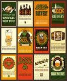 Grupo de etiquetas da cerveja com trevo Imagem de Stock