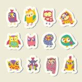 Grupo de etiquetas das corujas dos desenhos animados Fotografia de Stock