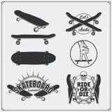 Grupo de etiquetas, de emblemas, de crachás e de elementos skateboarding do projeto Fotos de Stock Royalty Free
