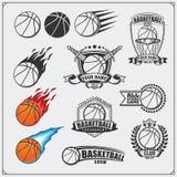 Grupo de etiquetas do basquetebol, de crachás, de emblemas e de elementos do projeto Projeto do competiam do basquetebol Fotos de Stock