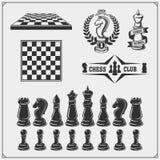 Grupo de etiquetas, de emblemas, de ícones e de sinais para o competiam da xadrez Ilustração do vetor ilustração stock